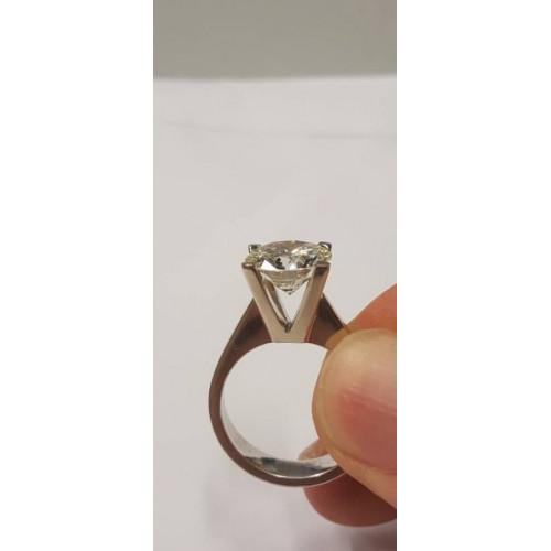 DIAMOND RING 3,67 CT